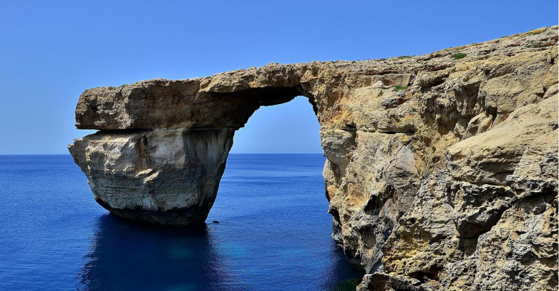 Malta\' s Azure Window Arch Collapsed into the Sea - Babylon Radio