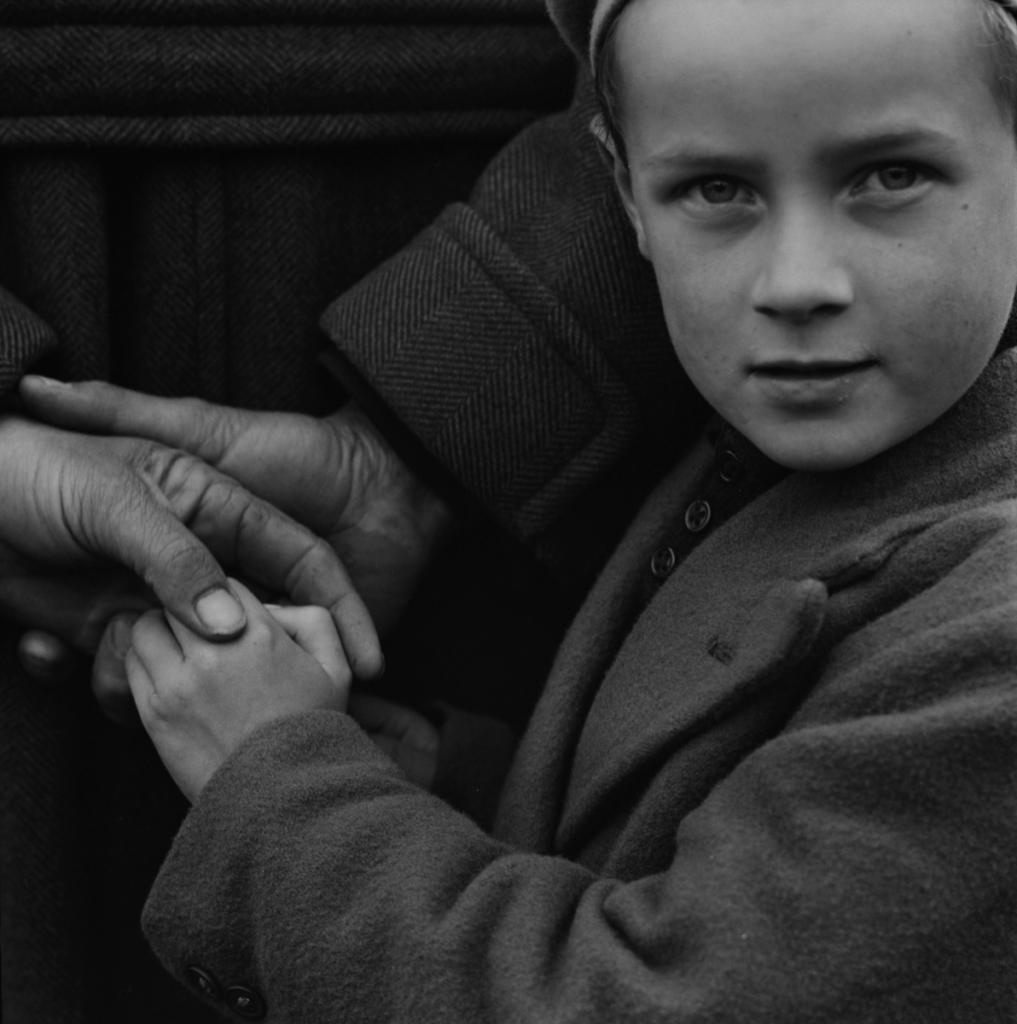historical photos of Ireland, young child